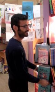 Maxime découvre les bandes dessinées